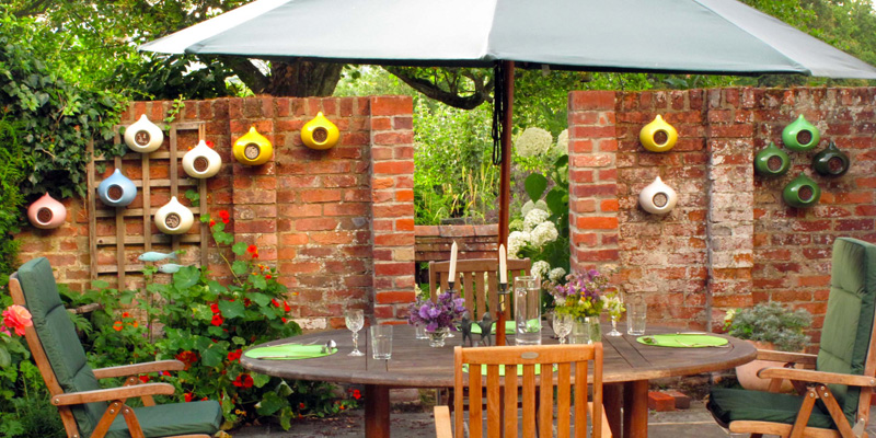 beepalaces in various colours can make alfresco dining more fun.